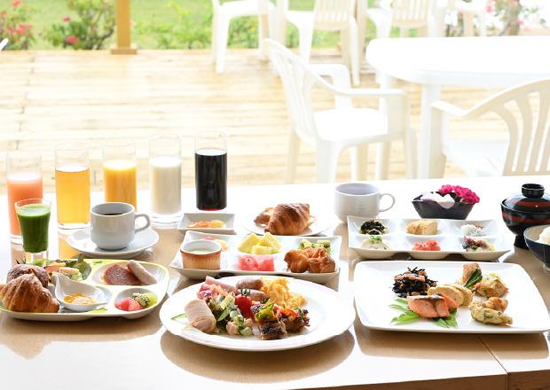 朝食 – レストラン ブーゲンの浜