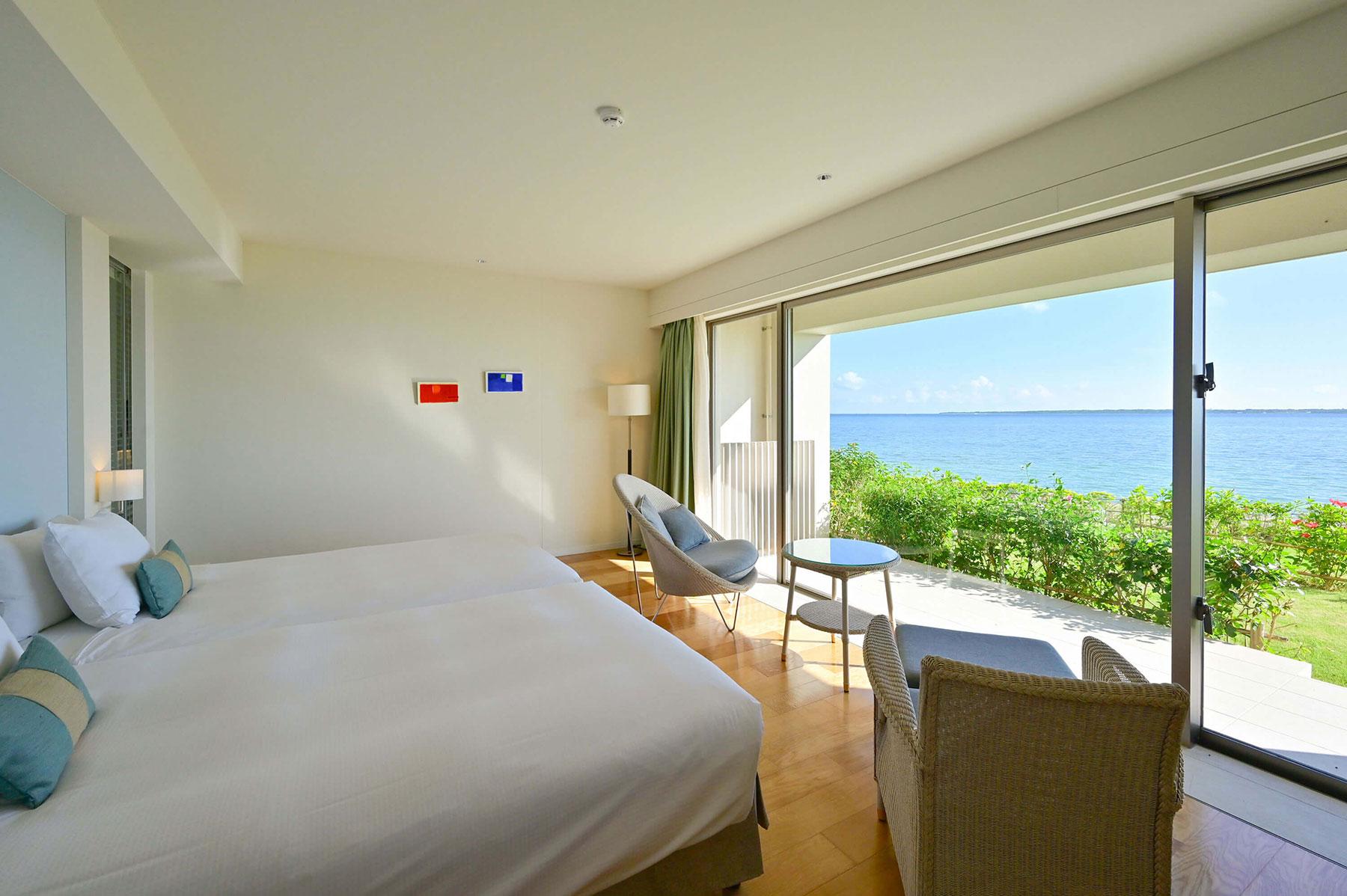 目前に石垣島の海を望む新館オーシャンガーデン「ビューバスコンフォート」